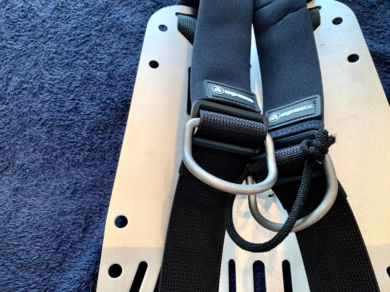 APEKS WTX 18 ハーネスのDリングを調整