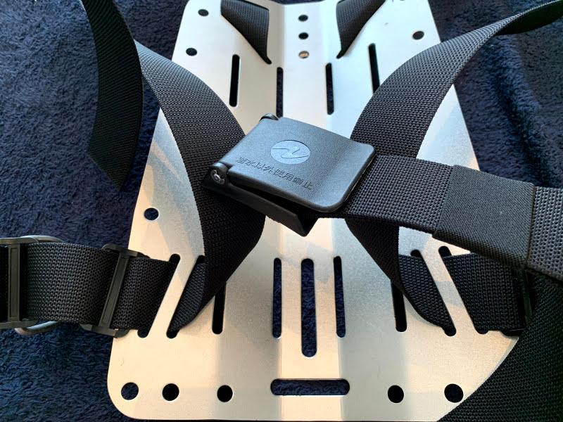 APEKS WTX 18 ハーネスのウェストバックル装着